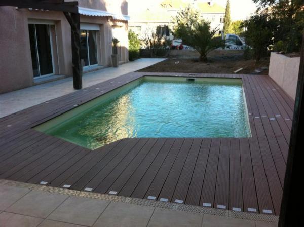 Piscine coque polyester california 1 picardie piscine for Bassin piscine polyester