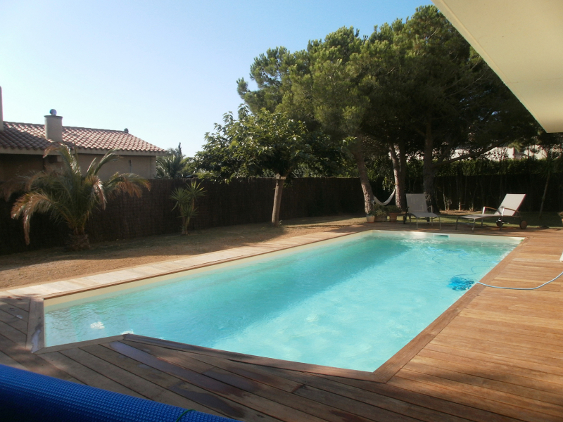 Piscine coque polyester california 2 picardie piscine for Bassin piscine polyester