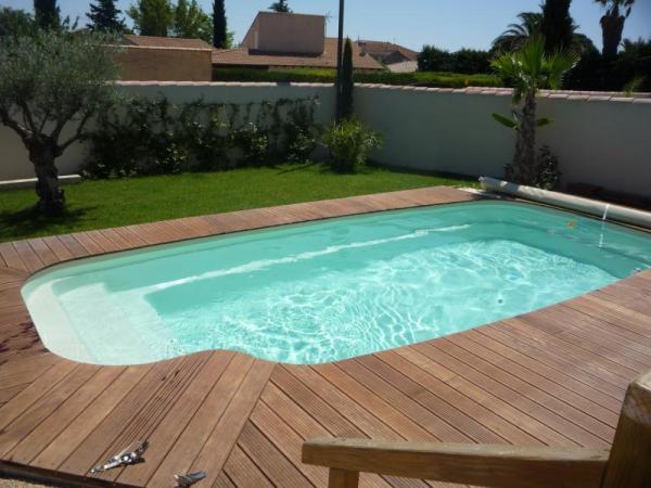 Piscine coque polyester pacifica picardie piscine for Piscine ibiza