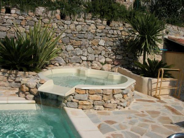 Vente de spas piscines et abris de piscine en picardie for Bassin a debordement