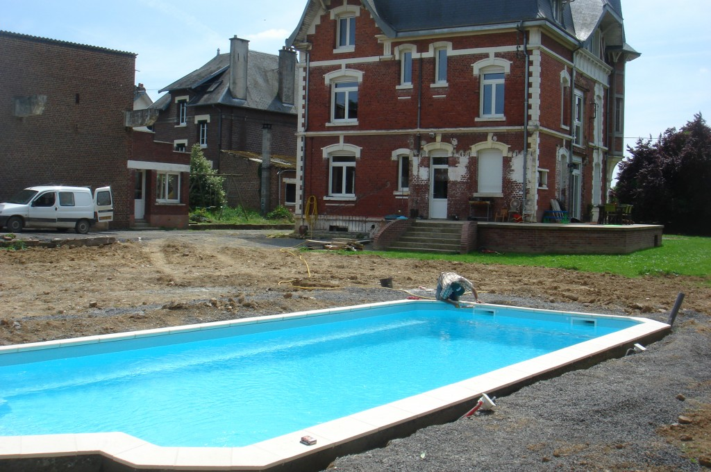 Nos r alisations picardie piscine for Piscine coque polyester hors sol